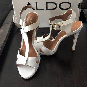 Aldo Leadia white sandal heel